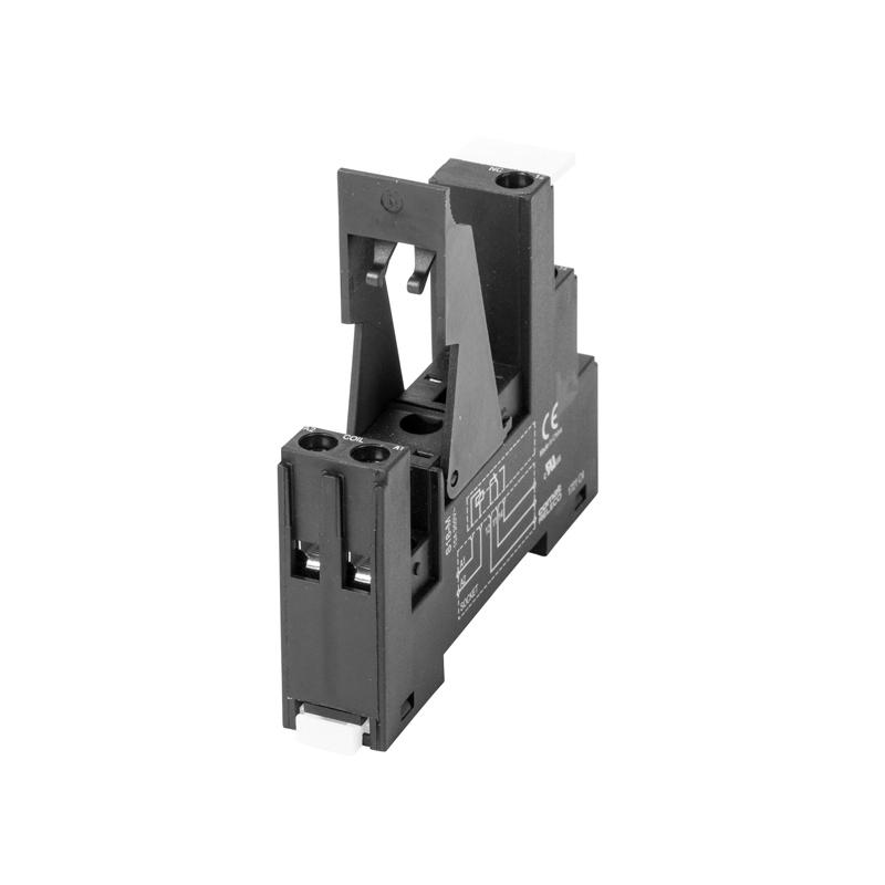 5 pin sockets S18
