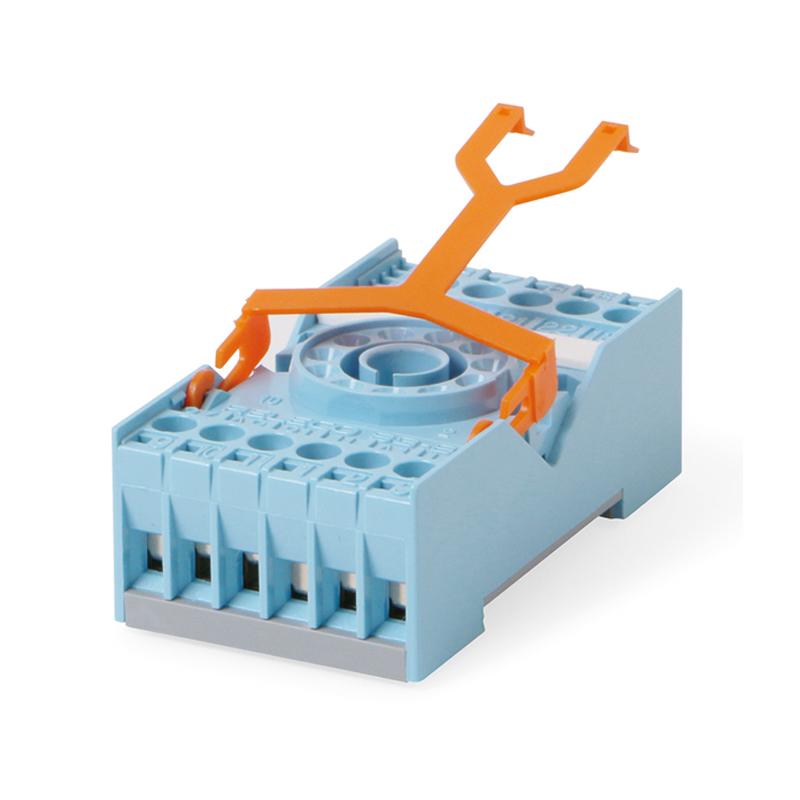 11 pin sockets S3, EC-11